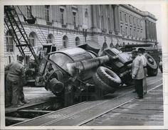 1959 WashDC a concrete mixer truck falls thru street at office bldg Vintage Trucks, Old Trucks, Cement Mixer Truck, Washing Dc, Concrete Mixers, Press Photo, Heavy Equipment, Old Cars, Mud