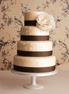 Wedding cake with brown ribbon accent #wedding #brown #weddingcake
