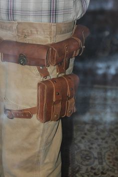(Sydney) Utility belt, love the large pocket that straps around the thigh