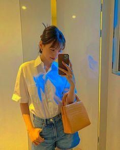 Kim Doyeon, Ioi, Indie Kids, Korean, Actors, Vodka, Artist, Photo Ideas, Posts