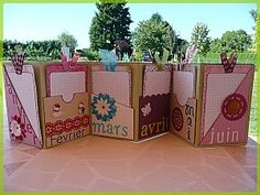 Diy Souvenirs, Photo Album Book, Cadeau Surprise, Mini Albums Scrapbook, Craft Projects, Projects To Try, Birthday Book, Birthday Calendar, Paper Crafts Origami