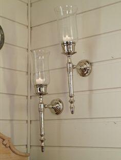 Lysestake til vegg m/glasskolbe cmMål: cm Farge: Sølv/klart glass Materiale: Aluminium/Glass Sconces, Wall Lights, Lighting, Glass, Home Decor, Chandeliers, Appliques, Decoration Home, Drinkware