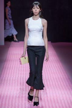 Mary Katrantzou Fall 2015 Ready-to-Wear Fashion Show - Issa Lish