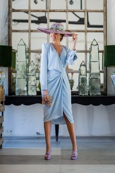 Look invitada boda 2019 vestido azul comunion pamela lila Classy Outfits, Casual Outfits, Fashion Outfits, Kentucky Derby Fashion, Black Girl Fashion, Baby Girl Dresses, The Dress, Wedding Gowns, Wrap Dress