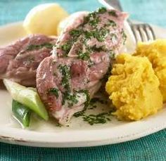Bilde av Salt lammekjøtt med kålrotstappe.