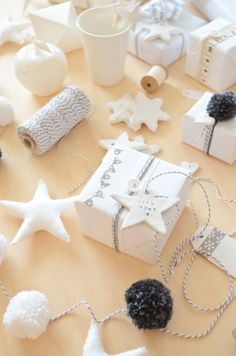 Brilliant Grey and White Christmas from Scandi Home via Craftgawker