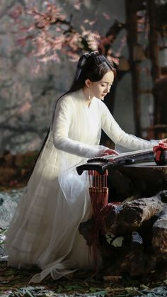 Yang Mi 杨幂 Three Lives, Three Worlds, Ten Miles of Peach Blossoms 三生三世高清剧照 夜华 Princess Weiyoung, Eternal Love Drama, Asian Cute, Peach Blossoms, Chinese Clothing, Chinese Actress, Chinese Culture, Chinese Style, Traditional Dresses