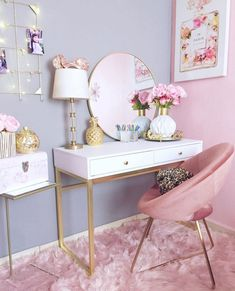 White Makeup Table With Pink Chair ★ You've finally . White Makeup Table With Pink Chair ★ You've finally decided to get a makeup vanity table but lack ideas? To help you with your. Room Ideas Bedroom, Girls Bedroom, Bedroom Decor, Bedrooms, Bedroom Sets, Make Up Tisch, Makeup Table Vanity, Vanity Desk, Makeup Vanities