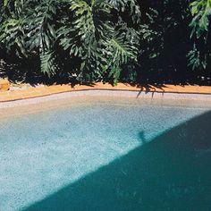 Throwback Pool Day  . #mrtravelalotgoesSydney #mrtravelalot #sydney #newsouthwales #australia #tb #trowback #instatravel #igtravel #travelblogger #travelgram #travel #traveler #tourism #wanderlust #travelphotography #photography #poolday #pool #water