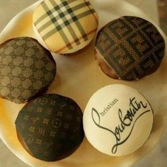 burberry, gucci, louis vuitton, fendi, louboutin cupcake idea...i want this done for my bday!