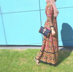 Image in Hijab collection by Kaw Ther on We Heart It Hijab Fashion 2016, Muslim Women Fashion, Islamic Fashion, Modest Fashion, Hijab Chic, Modest Wear, Modest Outfits, Modele Hijab, Hijab Trends