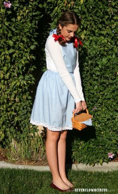 Diy Dorothy Costume Awesome A Brunette S Halloween. Modest Costumes, Teacher Halloween Costumes, Easy Halloween Costumes For Women, Costumes For Work, Best Friend Halloween Costumes, Homemade Halloween Costumes, Halloween Kostüm, Costume Ideas, Diy Costumes