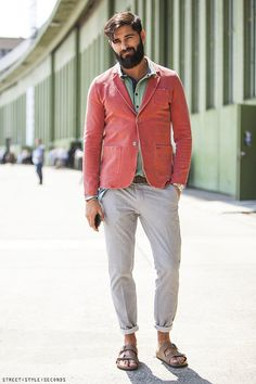 Trendy Mens Fashion, Men's Fashion, Male Fashion Trends, Mens Boots Fashion, 1950s Jacket Mens, Cargo Jacket Mens, Green Cargo Jacket, Bomber Jacket, Leather Jacket