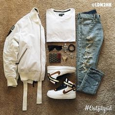 Yesterday's top #outfitgrid is by @ldn2hk. ▫️#C2H4 #Jacket & #Denim…