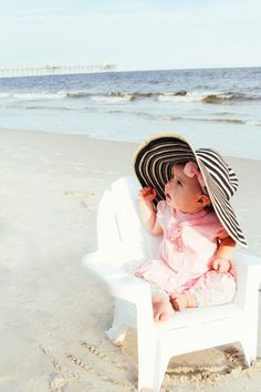 Baby beach photos, family beach pictures, summer photos, girl photos, beach k Baby Beach Photos, Family Beach Pictures, Girl Photos, Photo Summer, Summer Photos, Summer Baby Pictures, Children Photography, Family Photography, Beach Baby Photography