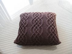 knit yourself a pillow!