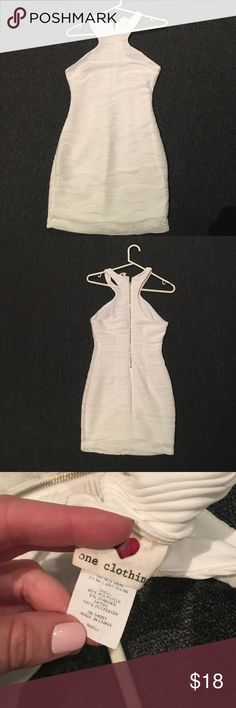 White chiffon body con dress White dress! Super cute and zipper back one clothing Dresses