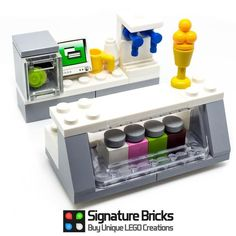 Expand your LEGO collection with this Ice Cream Bar parlour. LEGO ice Cream Bar perfect addition to your creations and city. Designed by our team using genuine LEGO. New, genuine, and official LEGO parts! Lego Modular, Lego Design, Lego Duplo, Lego Friends, Legos, Bloc Lego, Lego Gingerbread House, Lego Food, Lego Furniture
