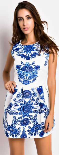 The #dress From #oasap Weekly recommendation. Floral Jacquard Pleated White Skater Tank Dress