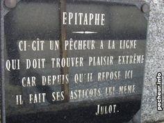 La pierre tombale d'un pêcheur, et son épitaphe pleine d'humour noir.