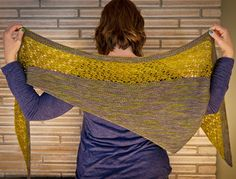 Zaria lace shawl, by Shannon Squire. Free pattern (Knitty winter 2013)