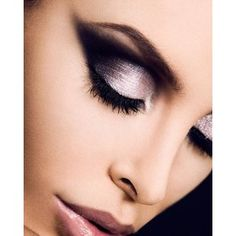 Love! I need an event to go to so I can wear some gorgeous dramatic makeup!