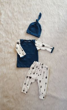 Coming Home Outfit, Black and White Arrows, Pants, Shirt, & Matching Knot Hat, Baby Boy or Girl, Gender Neutral, 0-3 mos