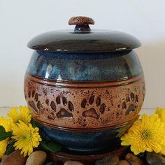 My Dog Urn Dog Urns, W 6, Artisan, Ceramics, Dogs, Ceramica, Pottery, Pet Dogs, Craftsman