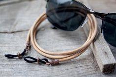 Tan Leather Copper Eyeglass Chain Mens eyeglass chain by Maetri Braided Leather, Leather Chain, Leather Cord, Tan Leather, Men Eyeglasses, Diy For Men, Eyeglass Holder, Chains For Men, Beaded Jewelry