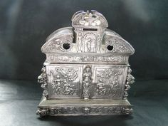 DUTCH TEA CADDY MADE IN STERLING SILVER C.1880 //  - Maria Elena Garcia -  ► www.pinterest.com/megardel/ ◀︎