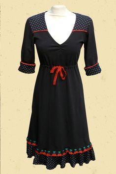 http://www.talulabelle.nl/dames-kleding/jurken/zomerjurk-rock-stippen-zwart-kersen