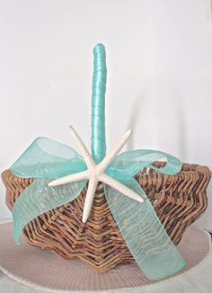 Starfish Flower Girl Basket. Lovely Willow Basket. Featuring a real white finger starfish and satin and organza ribbon.