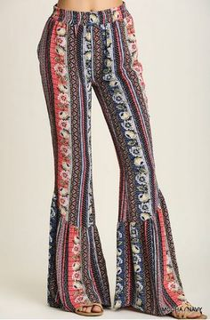 Patterned with beautiful floral designs and boho patterns, these Palazzo pants feature an elasticized waist, discreet pockets, and a bell-bottom like finish. Matches perfectly with a pair of wedges or