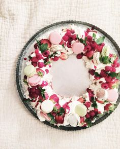 """274 Likes, 9 Comments - Fork & Flower (& Baby) (@forkandflower) on Instagram: """"yesterday night's dinner party christmas eton mess wreath dessert - whipped up in no time and was a…"""""""