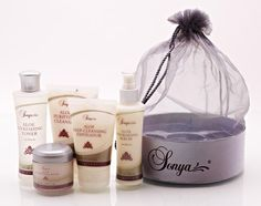 The Sonya® Skin Care Collection contains Aloe Purifying Cleanser, Aloe Refreshing Toner, Aloe Nourishing Serum, Aloe Balancing Cream, and Aloe Deep-Cleansing Exfoliator. Diy Face Scrub, Diy Scrub, Aloe Vera, Forever Aloe, Just Beauty, Best Natural Skin Care, Homemade Facials, Forever Living Products, Facial Scrubs