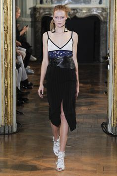 Véronique Leroy Spring 2016 Ready-to-Wear Collection Photos - Vogue