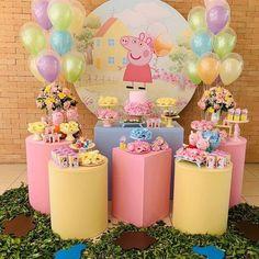 Peppa Pig Birthday Decorations, Peppa Pig Birthday Cake, Minnie Birthday, 2nd Birthday Parties, Fiestas Peppa Pig, Hello Kitty Theme Party, Barbie Theme Party, Alice In Wonderland Tea Party Birthday, Pig Party