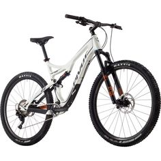 Pivot Mach 429 Trail XT Race 1x Complete Mountain Bike - 2017 Alpine White, M :https://athletic.city/bike/gear/pivot-mach-429-trail-xt-race-1x-complete-mountain-bike-2017-alpine-white-m/