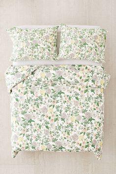 Slide View: 1: Amara Floral Duvet Cover