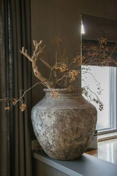 ideas trunk milk can decor ideas decor quotes ideas ideas teenage bedroom to decor ideas ideas classroom ideas brown sofa decor notebook Ikebana, Interior Decorating, Interior Design, Home And Deco, Wabi Sabi, Beautiful Interiors, Home Accessories, Flower Arrangements, Shabby Chic