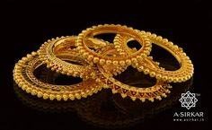 Indian Gold Jewelry Near Me Code: 7514182048 Buy Gold Jewellery Online, Real Gold Jewelry, Gold Wedding Jewelry, Bridal Jewelry, Indian Jewelry, Kerala Jewellery, Gold Kangan, Urban Jewelry, Gold Bangles Design