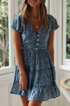 Cotton blue floral garden dress Source by dovechicc Dresses Trend Fashion, Fashion Moda, Fashion Outfits, Women's Summer Fashion, Mode Ulzzang, Image Mode, Outfits Plus Size, Cute Dresses, Maxi Dresses