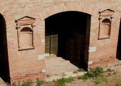 037-BEGINNINGS-(753BC TO 27BC)-AUGUSTUS:[Revolution in Roman Architecture]- Horrea Epagathiana, Ostia, 150 AD.
