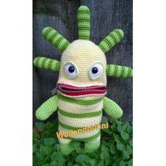 Ravelry: Zorgenvriendje Limona pattern by Monique v Vorselen. for pattern Crochet Amigurumi, Crochet Dolls, Crochet Baby, Knit Crochet, Crochet Monsters, Crochet Animals, Animal Bag, Monster Dolls, Yarn Bombing