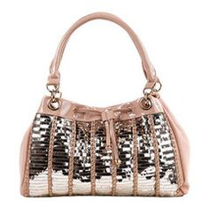 Nicole Lee handbags are not shy on the shelves. With aggressive and fashion forward designs, Nicole lee aspires to take the world of handbags to a whole new level. Stylish Handbags, New Handbags, Nicole Lee Handbags, Shoes Names, Trendy Girl, Pretty Shoes, Shoe Brands, Fashion Forward, Fashion Accessories
