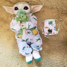 Yoda Images, Hello Kitty Shoes, Yoda Funny, Black Baby Dolls, Images Star Wars, Cute Fantasy Creatures, Cute Disney Drawings, Baby Yoga, Star Wars Baby
