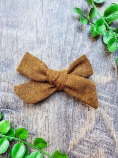 Bow Accessories, Modern Kids, Girl Hair Bows, Bow Hair Clips, Black Linen, Baby Winter, Baby Bows, Baby Shop, Handmade Clothes