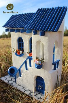 RETABLO Mediterranean Air measures cm wide and high … - Diy Projects Miniature Houses, Miniature Dolls, Wooden Projects, Diy Projects, Pottery Houses, Doll House Crafts, Fairy Furniture, Fairy Garden Houses, Home Candles