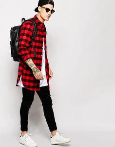 Imagen 4 de Camisa extralarga de manga larga a cuadros rojos grandes de  ASOS Moda Masculina 092725e48a8
