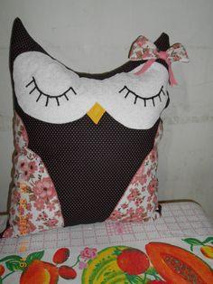 Almofada coruja dormindo preta poá pink